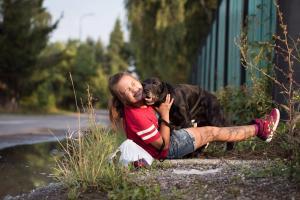 Perfektný rodinný psík Bady potrebuje domov !